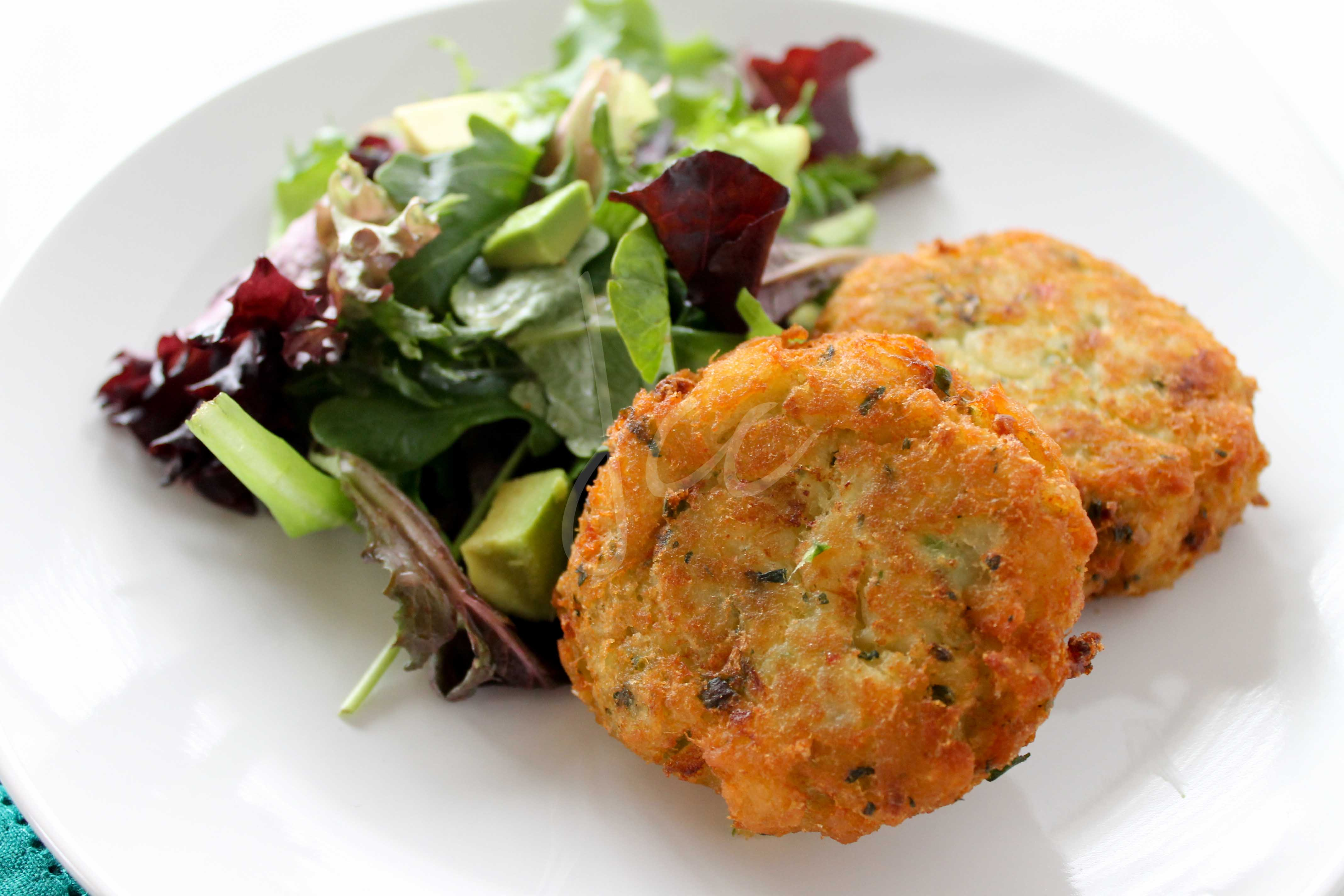 Salt fish cakes jehan can cook for Fish cake recipe