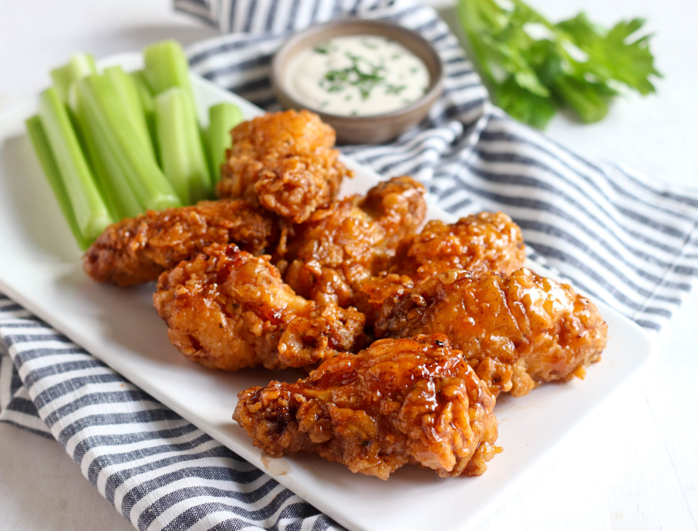 CRISPY FRIED CHICKEN WINGS WITH HOT HONEY SAUCE