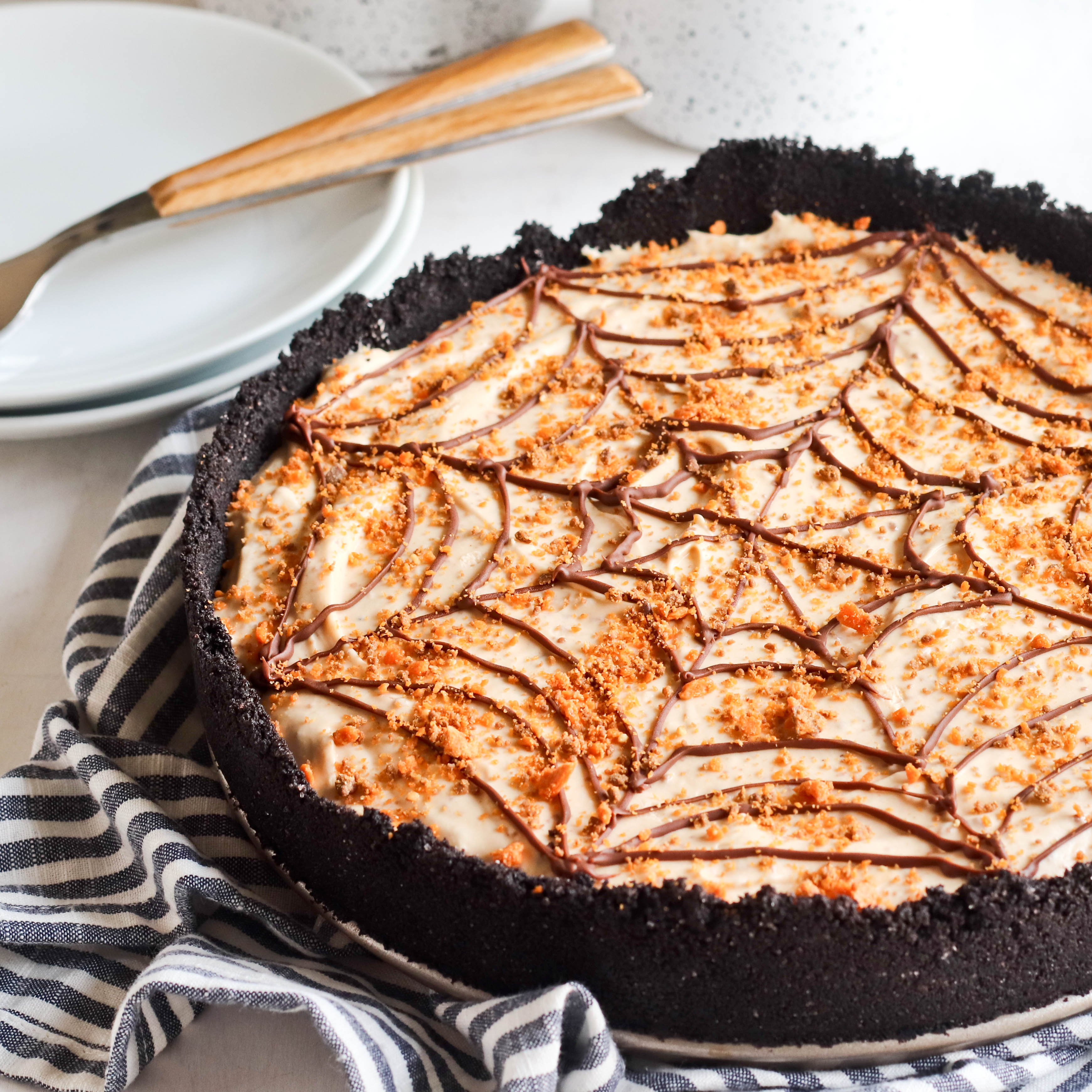 NO BAKE BUTTERFINGER CHEESECAKE